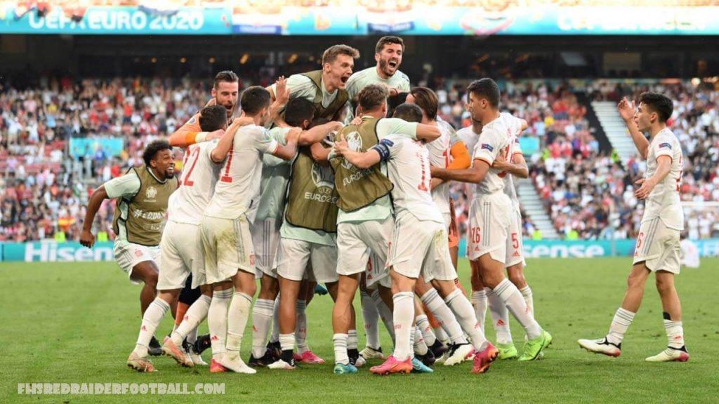สเปนชนะ การแข่งขันที่ในการเจอโครเอเชีย สเปนฟื้นจากประตูของตัวเองที่แปลกประหลาดและการต่อสู้กับโครเอเชียที่ยุ้งฉางเพื่อเข้าถึงรอบรองชนะเลิศ